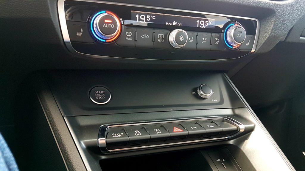 Audi Q3 wnętrze